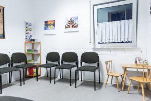 Wartezimmer in Steinfeld - Hausarzt Dr. Brack